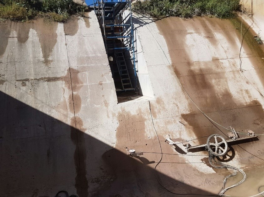 Diamond wire cutting for a Dam Spillway
